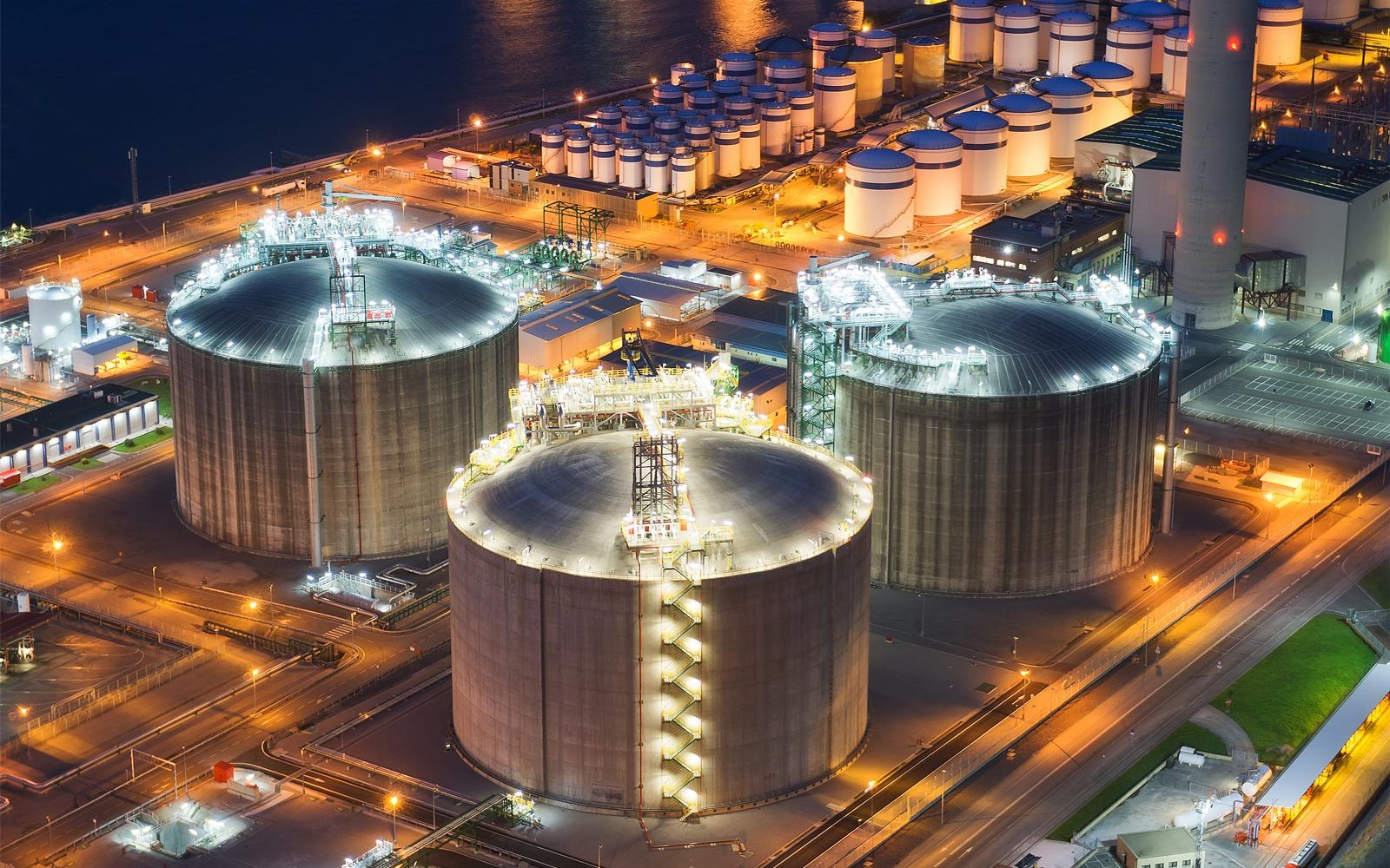 Steel Storage Tanks & Petrochemical - Cairnhill Structures